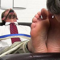 Myfriendsfeet.com tickle men